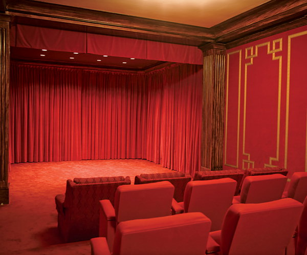The theater in 2008 (Architectural Digest)