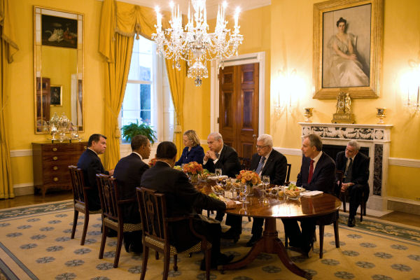 Magnificent White House Family Dining Room 600 x 400 · 68 kB · jpeg