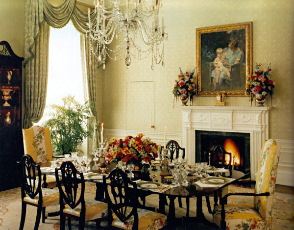 Family residence dining room white house museum for Victorian house dining room ideas