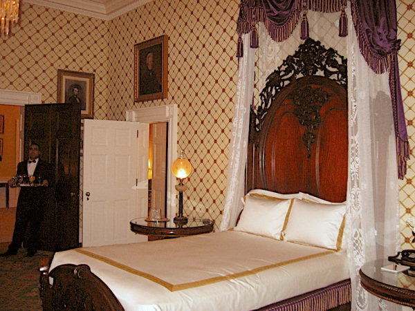 Lincoln Bedroom - Whit...