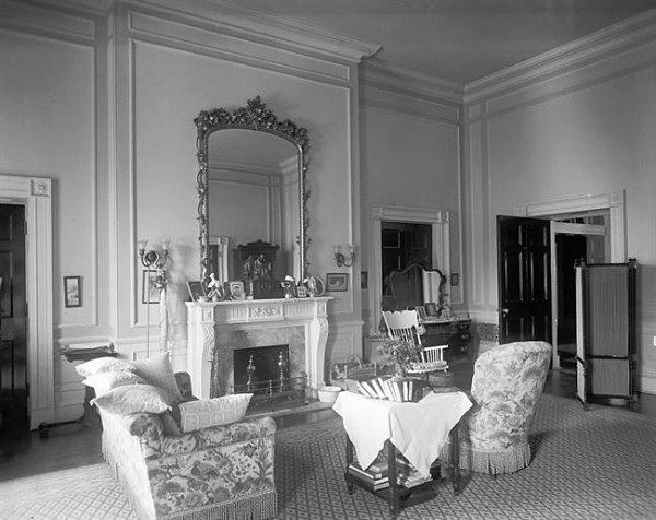 Living Room - White House Museum
