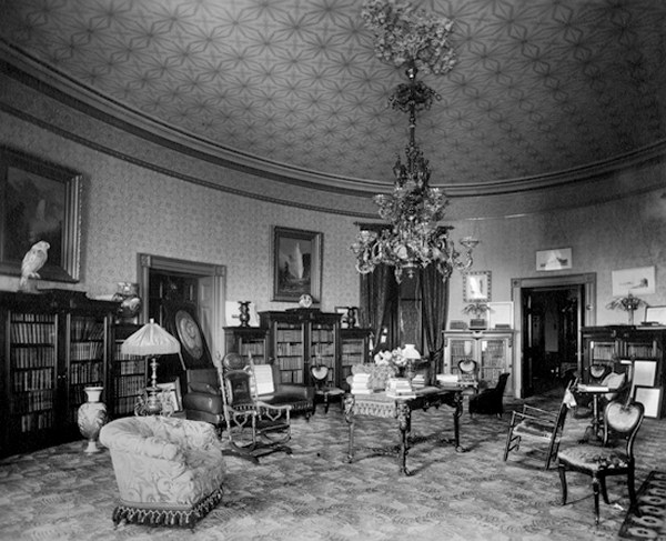 Old Living Room 1940 yellow oval room - white house museum