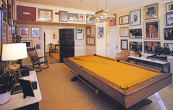 Game room white house museum - Game room in house ...