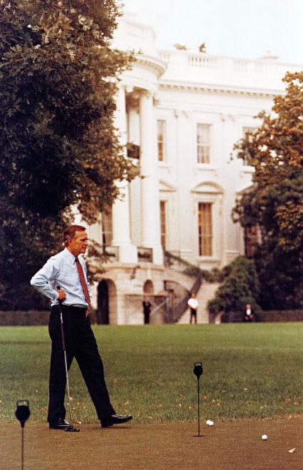 Gerald Jones Ford >> Putting Green - White House Museum