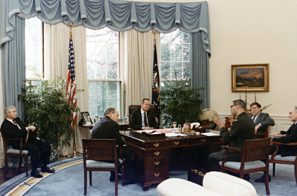 oval office history. George Oval Office History